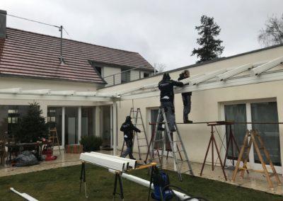 Montage eines Terrassendachs von Sonnenschutz Meisl in Langenlois