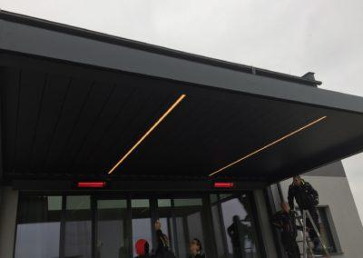 Montage eines Lamellendachs von Sonnenschutz Meisl